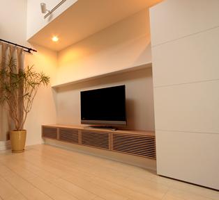西宮 I邸タモ壁面TVボード&カウンター収納