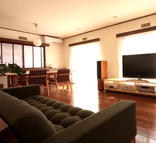 神戸市へ 少し懐かしい雰囲気の家具達