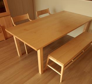 江東区 メイプルダイニングテーブル
