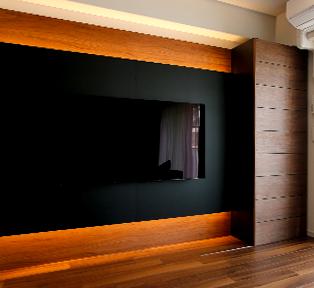 西宮市M邸ブラックとウッドのテレビボード