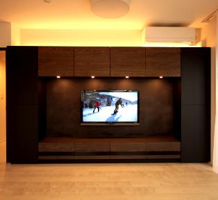 目黒区高層マンション マットブラックとグレーアッシュのテレビボード