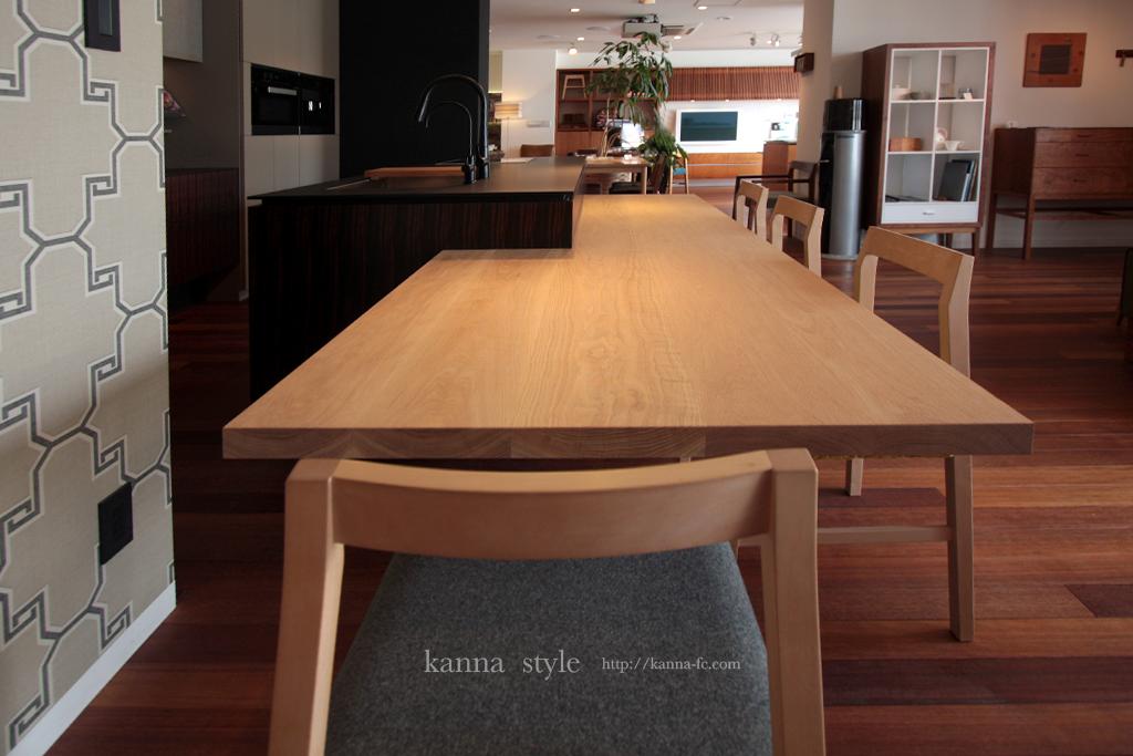 カウンターダイニングテーブル一体型オーダーアイランドキッチン